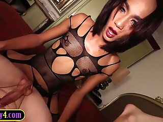 Young sexy ladyboy fucks a guy anal and takes anal too