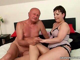 Very old grandpa fucking chubby girl