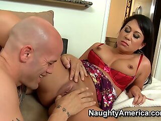 Naughty America Neighbor Kayme Kai anal fucking in the couch