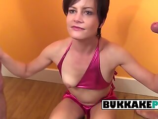 Mature housewive fills her mouth with different cocks in an interracial bukkake
